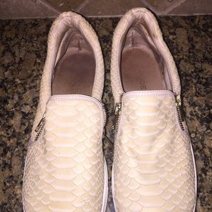 Shoes - J Slides